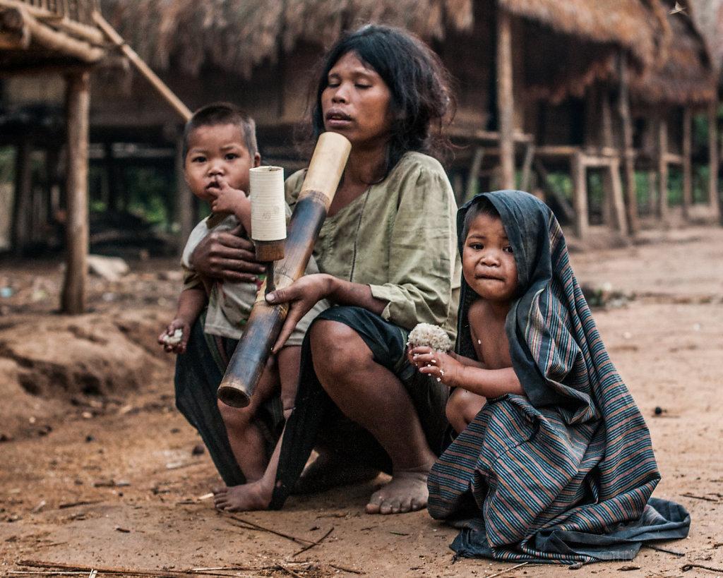 Kids having breakfast in a remote village of Xe Sap NPA